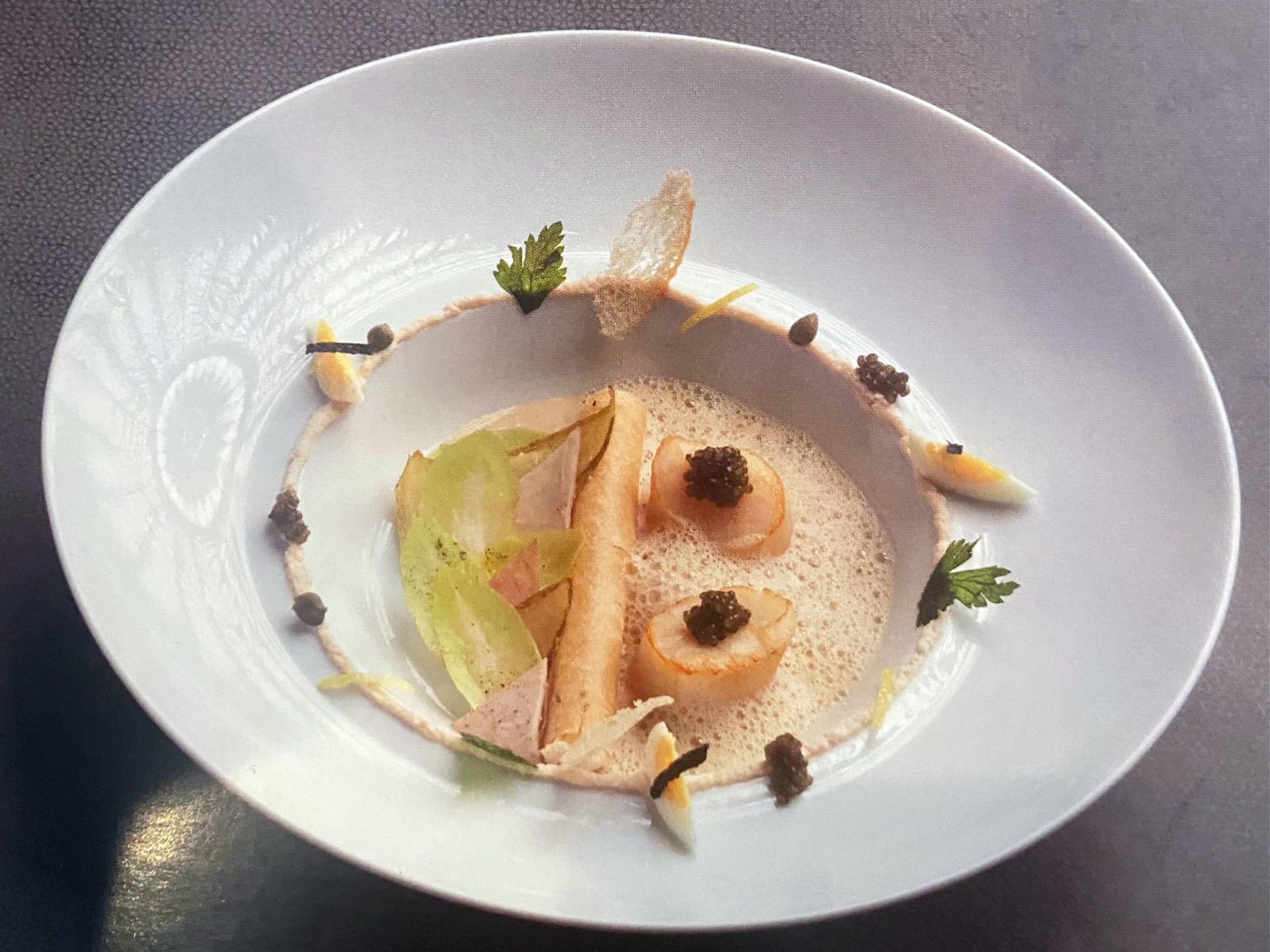 Coquilles Saint-Jacques au caviar et endives
